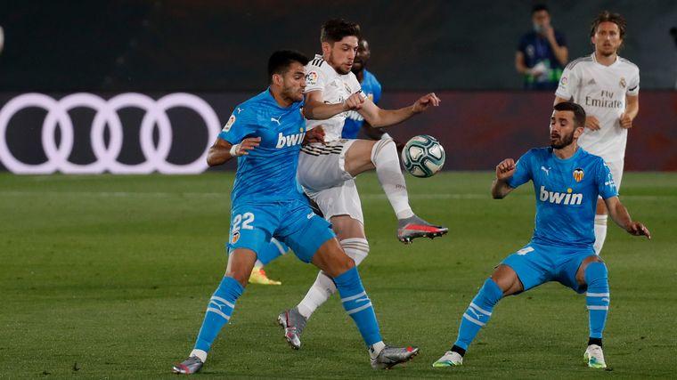 FOTO: Real Madrid superó con claridad a Valencia.