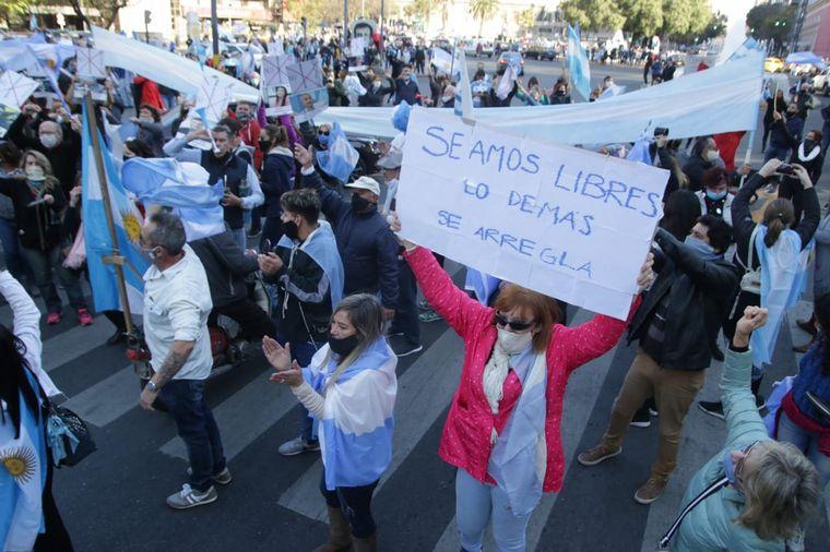 FOTO: Los rosarinos se congregaron frente al Monumento a la Bandera