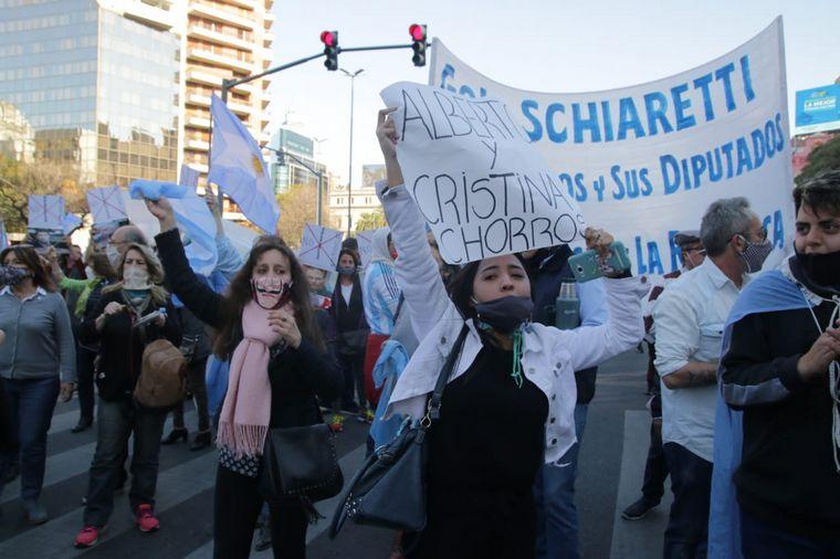 FOTO: Banderazo contra la expropiación de Vicentin en Córdoba