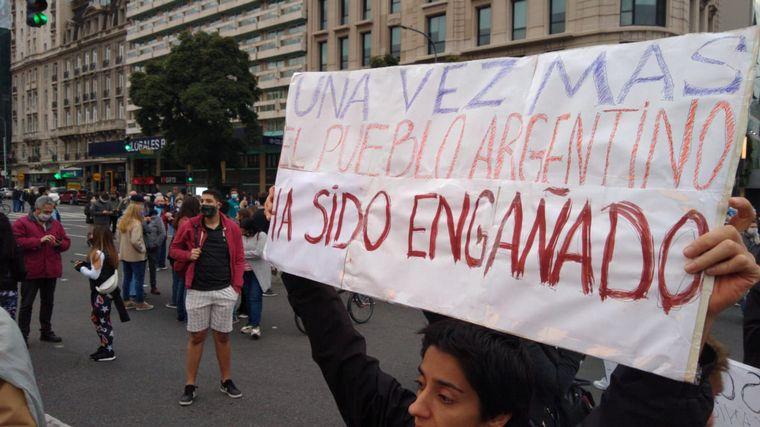 FOTO: Banderazo frente al Obelisco.