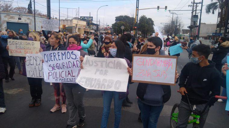 FOTO: Vecinos reclaman por seguridad en Ameghino y Matienzo