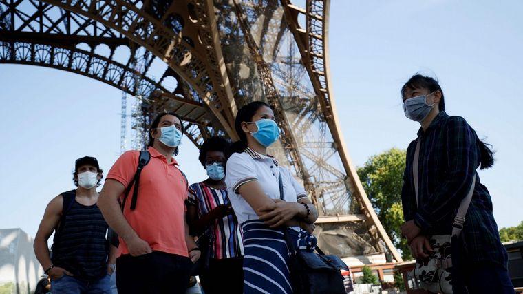 FOTO: Volvió a abrir la Torre Eiffel en París.