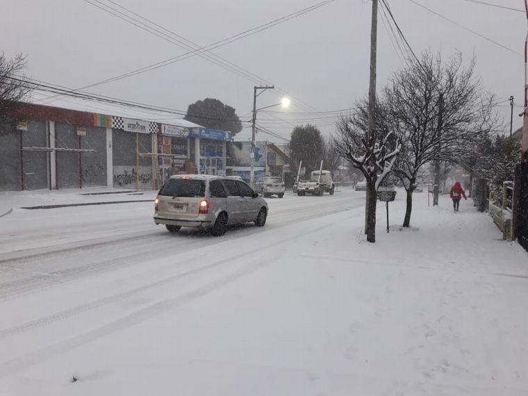 FOTO: Copiosa nevada en Bariloche.
