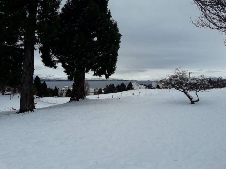 AUDIO: Temporada frustrada: Mucha nieve en Bariloche y ningún turista por la pandemia