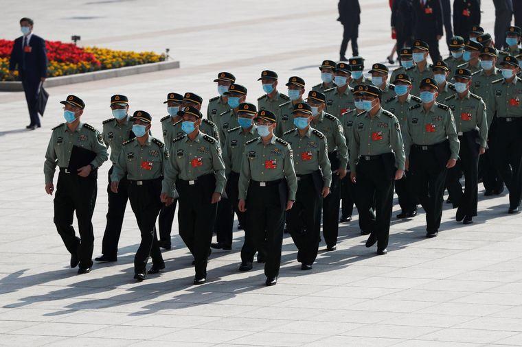 China ya tiene vacuna y la usará para sus militares