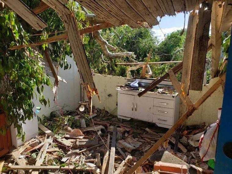 FOTO: Al menos nueve muertes por un ciclón en Florianópolis.