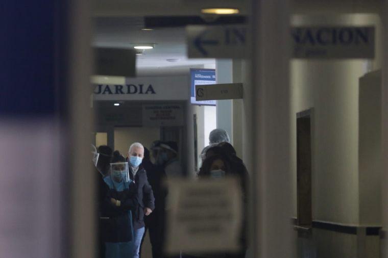 FOTO: Alerta en la Clínica Sucre por tres médicos con coronavirus.