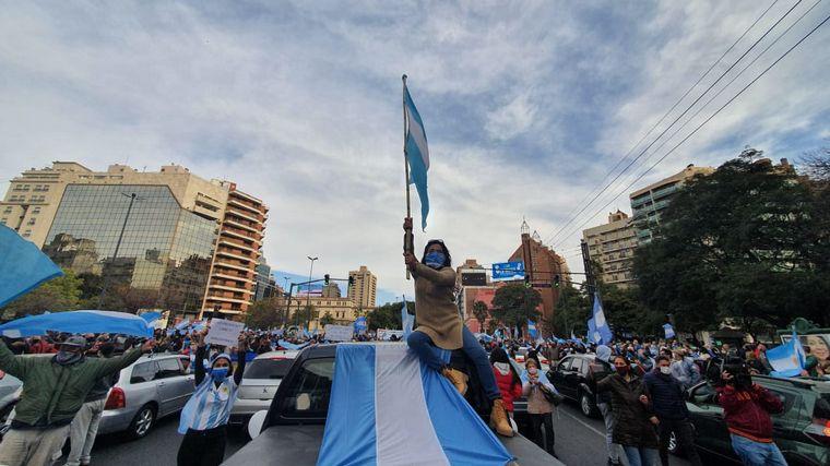 FOTO: Caravana a favor del Gobierno nacional en Córdoba