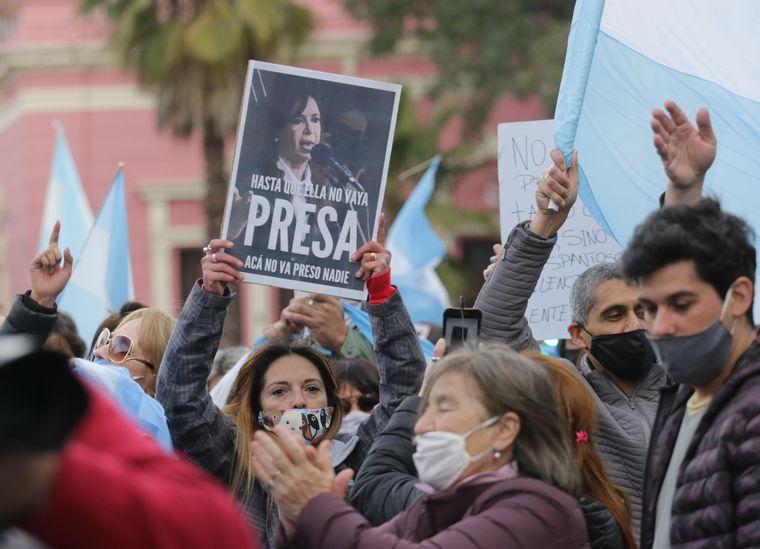 FOTO: Protesta en Tucumán en defensa de libertad y derechos