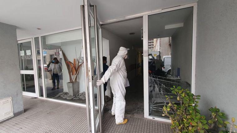 FOTO: Cerró la Clínica Sucre tras casos positivos de coronavirus.