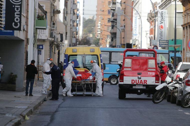 FOTO: Traslado de pacientes de la Clínica Sucre