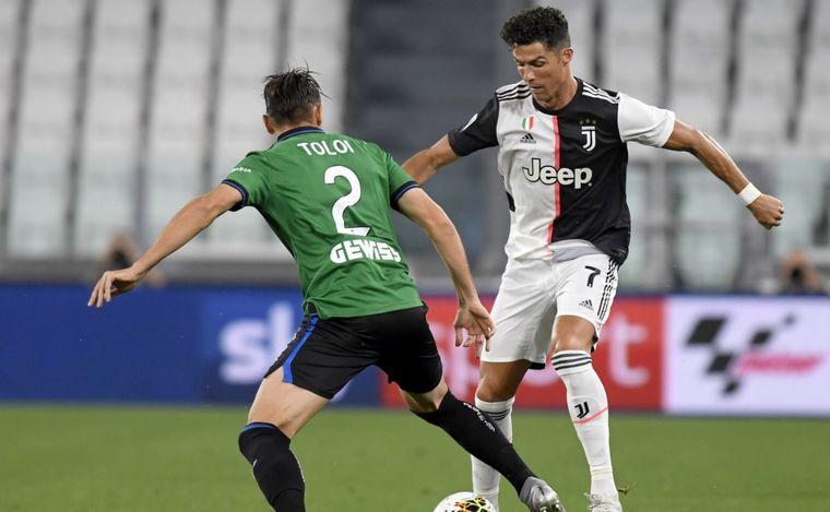 FOTO: Cristiano Ronaldo anotó dos veces de penal.
