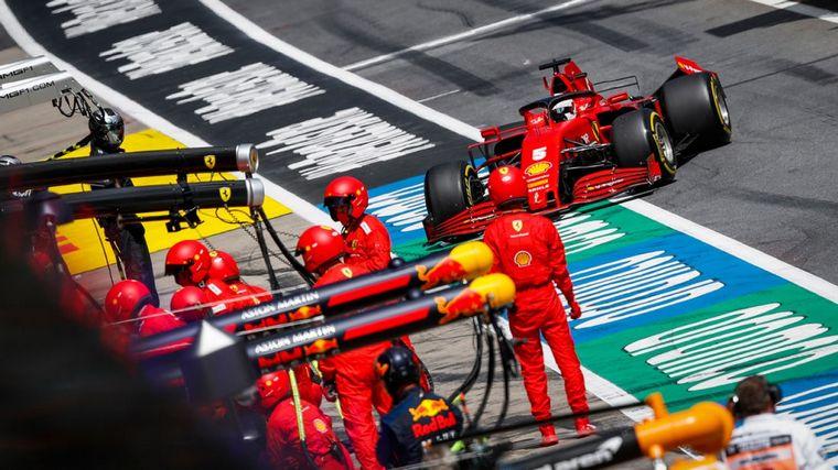 FOTO: Hamilton y Bottas y otro 1-2 de Mercedes