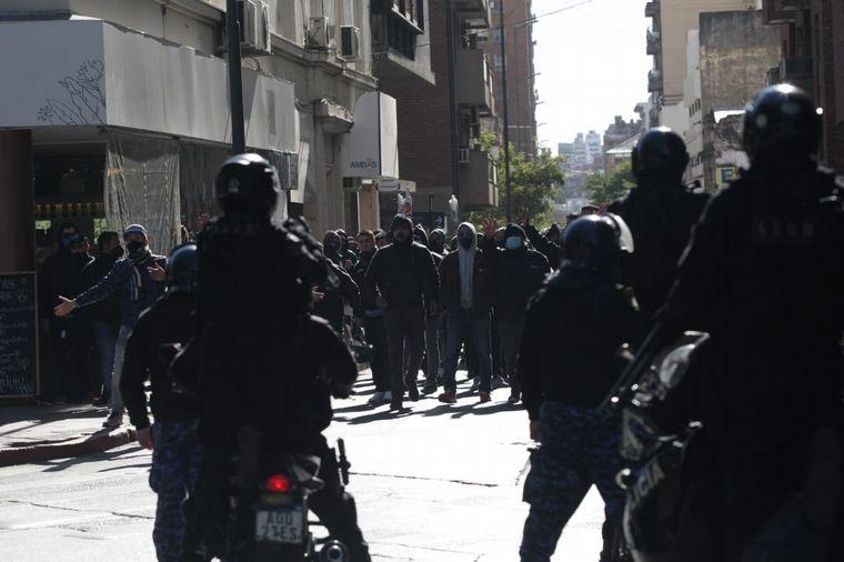 AUDIO: Corridas y disturbios en la protesta de UTA frente a la Municipalidad de Córdoba