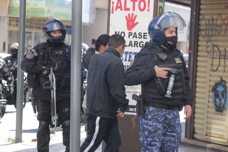 FOTO: Incidentes entre la Policía y choferes de UTA en Córdoba.