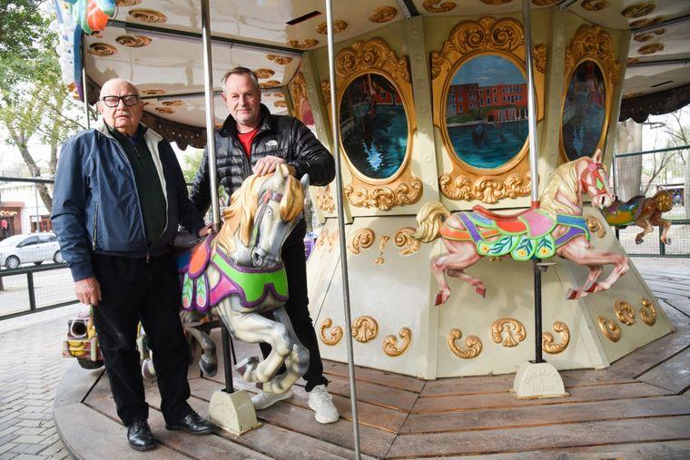 AUDIO: Dueño de calesita vende los caballos para sobrevivir
