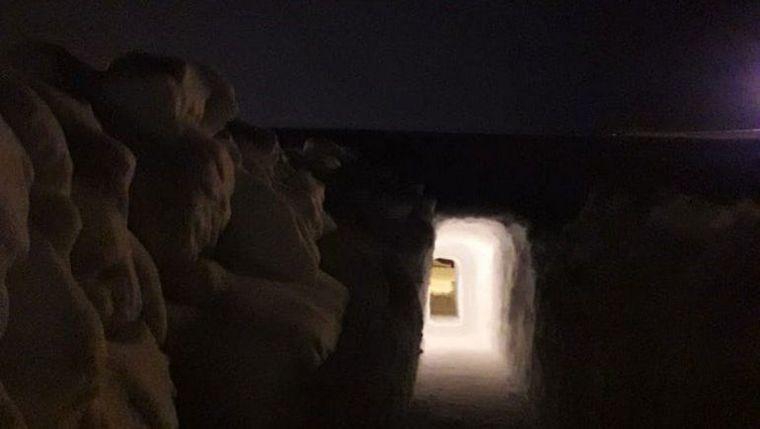 FOTO: Un instructor de esquí construyó un túnel para salir de su casa en Caviahue