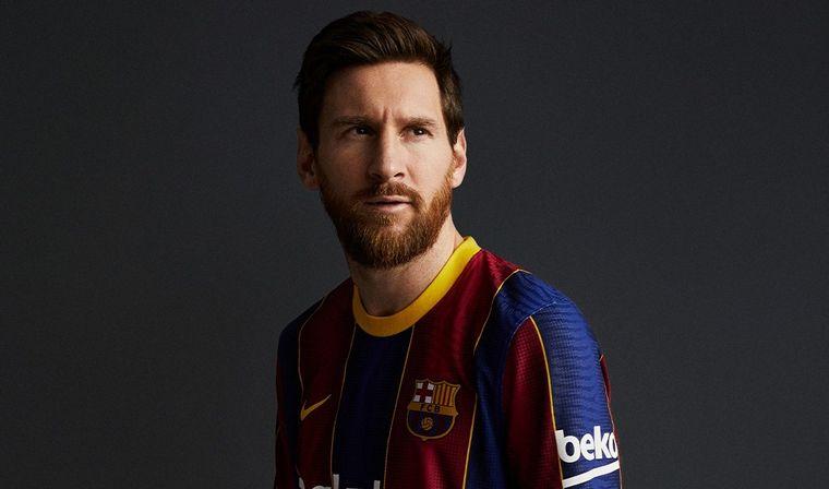 FOTO: El Barcelona presentó su camiseta para la próxima temporada.