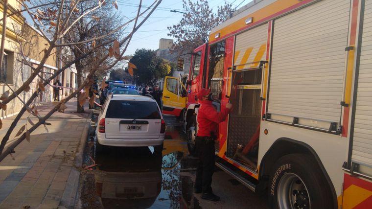 FOTO: Una mujer murió en un incendio domiciliario en Córdoba.