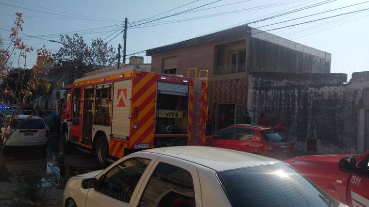 AUDIO: Una anciana murió al incendiarse su casa en barrio Providencia