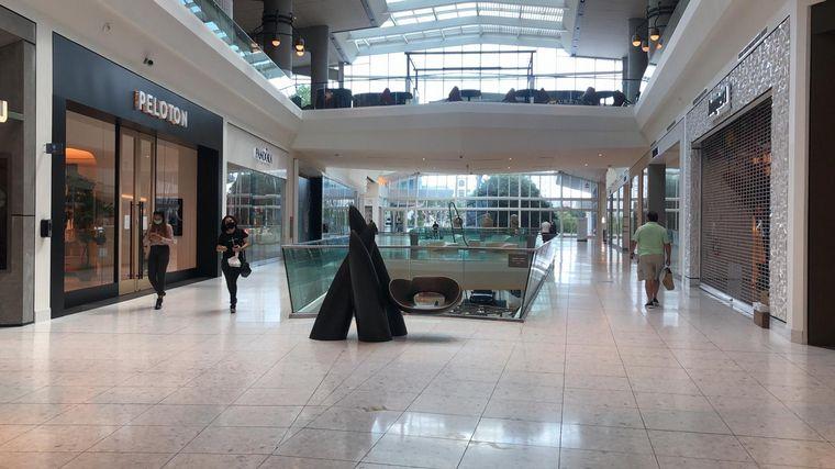 FOTO: El local más grande que vende elementos de protección contra el coronavirus