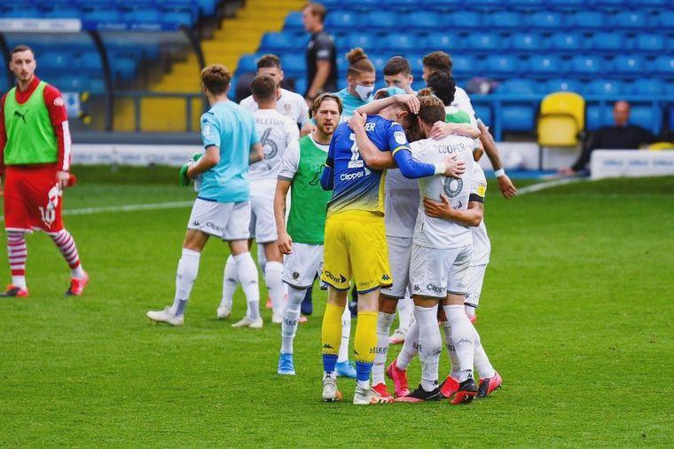 FOTO: Bielsa, al borde de devolver al Leeds a la Premier League.