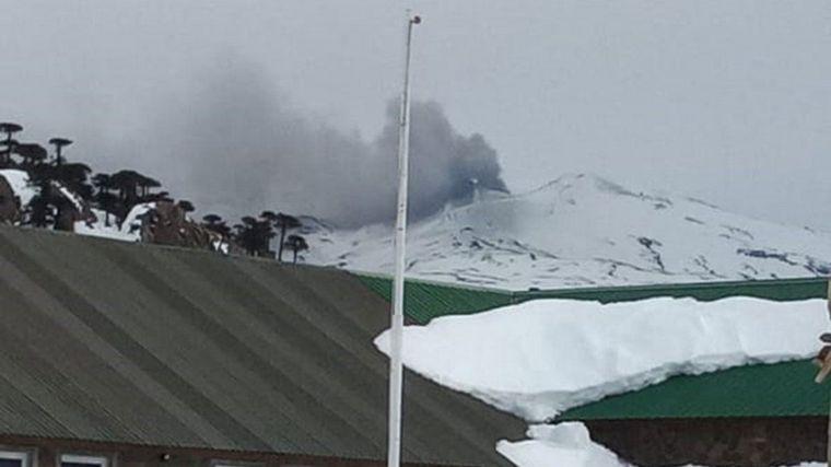 FOTO: Alerta por la actividad en el volcán Copahue