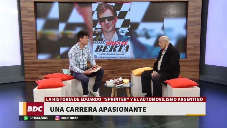 """FOTO: """"Sprinter"""", socio fundador del Autódromo Cabalén, con sus dirigentes."""