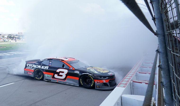 FOTO: Dillon gana en Texas y se mete en los Playoffs 2020 del NASCAR