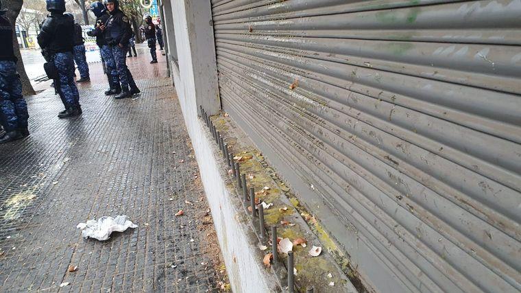 FOTO: Disturbios de los choferes de Aoita frente al edificio de Fetap.