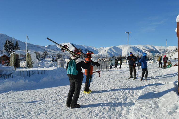FOTO: Comenzó la temporada de esquí en el Cerro Catedral de Bariloche.