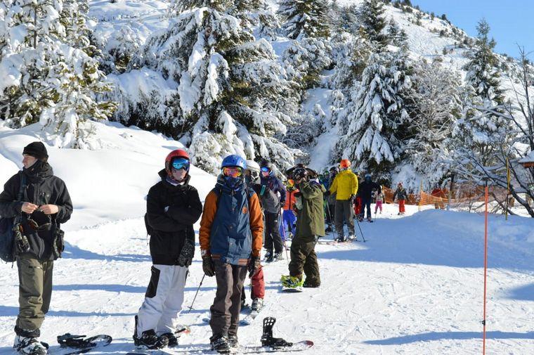 FOTO: El esquí fue habilitado para los residentes.