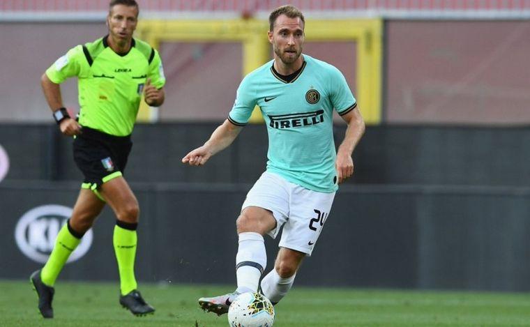 FOTO: Inter ganó de visitante al Genoa y se acerca a Juventus.
