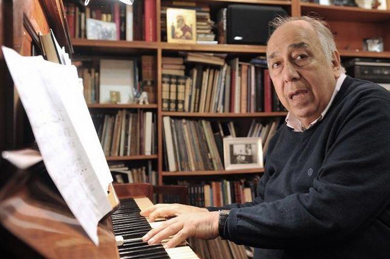FOTO: Falleció a los 83 años el pianista, creador y maestro Manolo Juárez