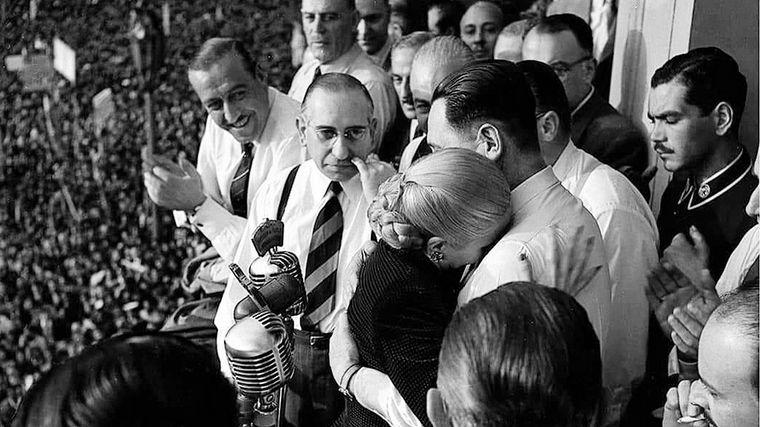 FOTO: El Presidente Alberto Fernández recordó a Eva Duarte de Perón a 68 años de su muerte.