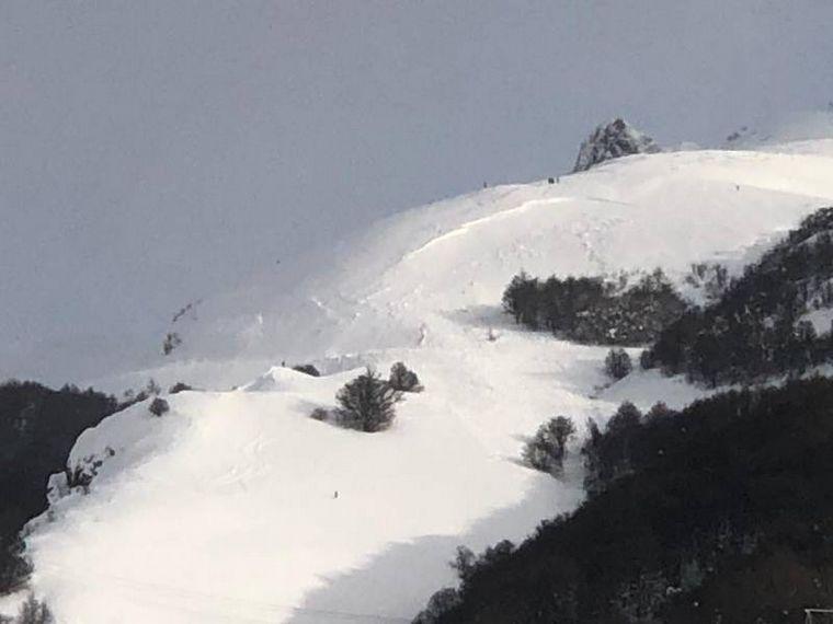 AUDIO: Un jefe de patrullas del Cerro Catedral murió por una avalancha en el lugar
