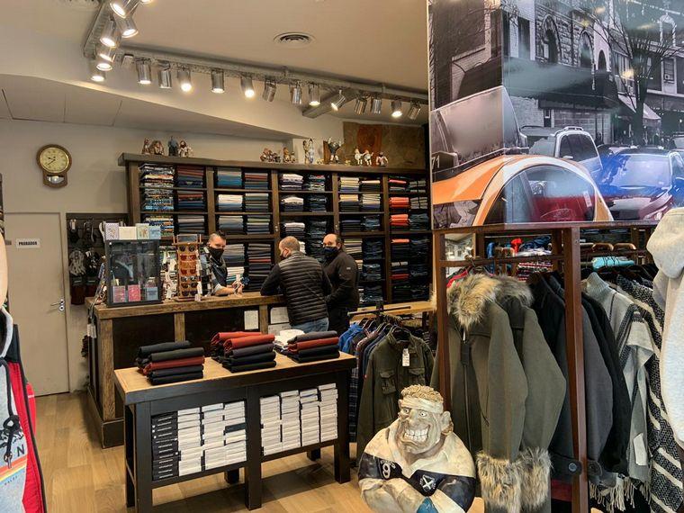 AUDIO: Abren locales comerciales de los shoppings de Mar del Plata