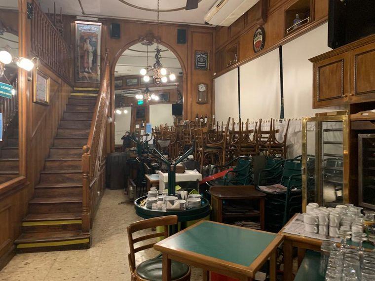AUDIO: Cerró el emblemático bar La Rambla de Recoleta tras 57 años