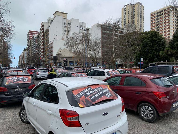 FOTO: Hoteleros manifestándose en el centro de Mar del Plata