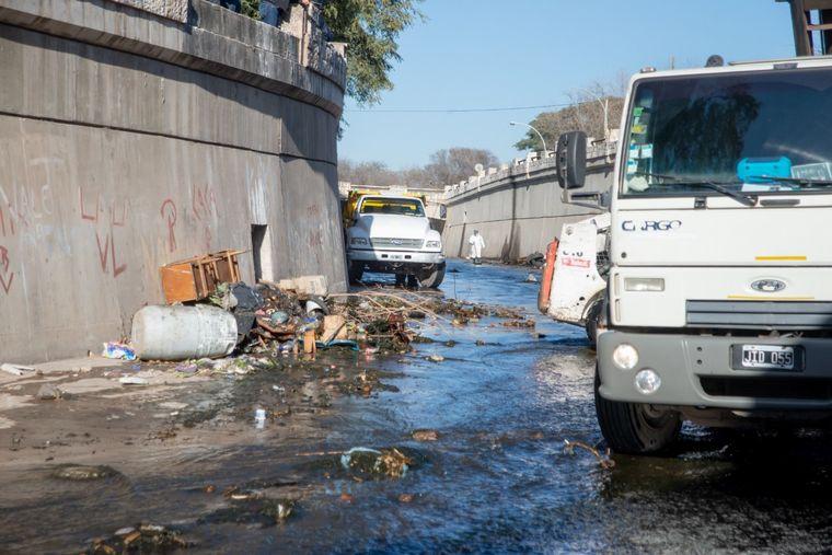 FOTO: Recolectan 12 mil kilos de basura en 300 metros de La Cañada