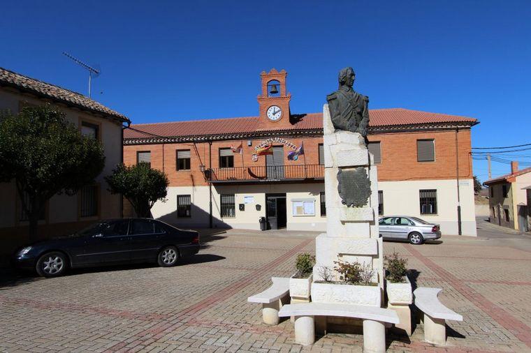 FOTO: Diseño de la placa que Cadena 3 donó a la casa de los padres de San Martín.