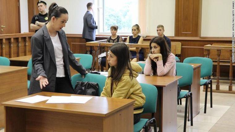 Tres hermanas rusas mataron a puñaladas a su padre