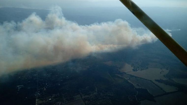 AUDIO: Bomberos combaten un incendio en la zona de San Esteban