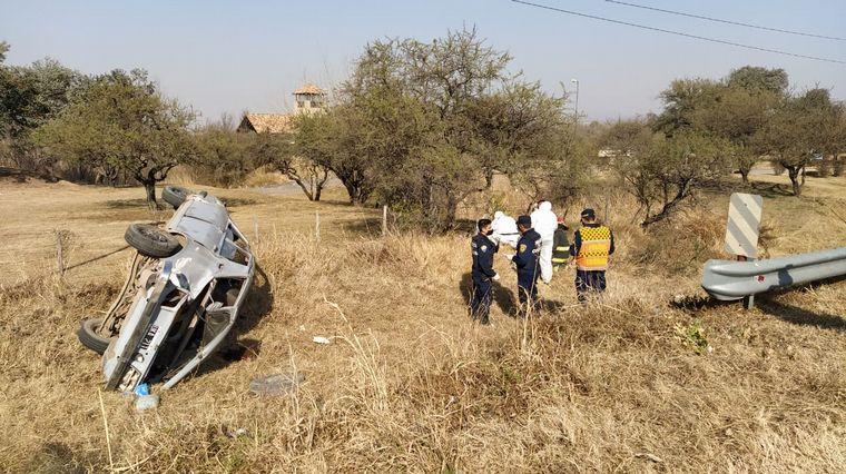 AUDIO: Vuelco fatal: el conductor del vehículo se dio a la fuga en el control de alcoholemia