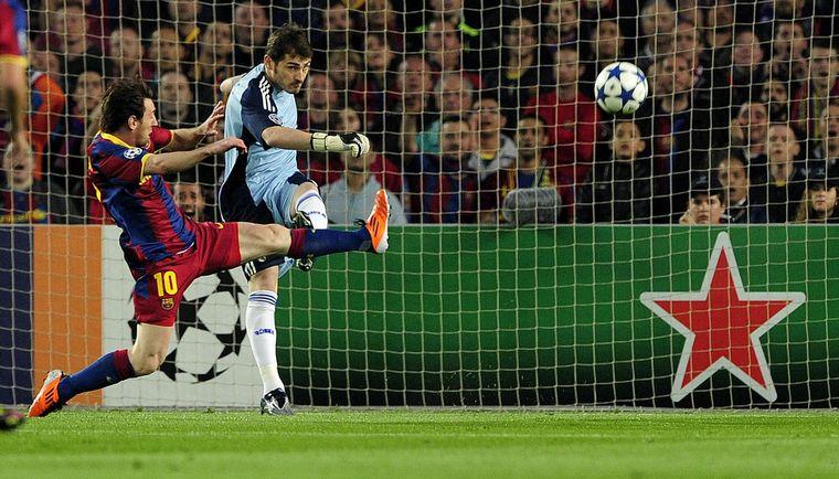 FOTO: Messi despidió a Iker Casillas, eterno rival en el arco del Real Madrid.