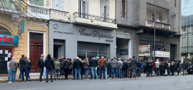 FOTO: Multitudinaria despedida a Blas Correas.