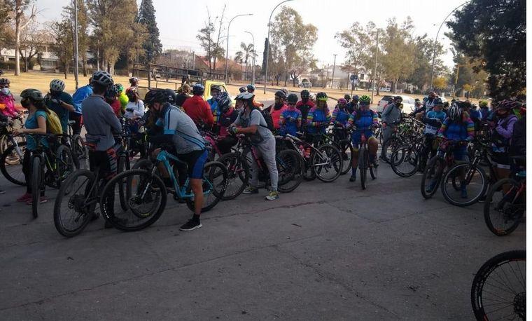 FOTO: Reclaman que la prohibición de pedalear en grupo los deja indefensos