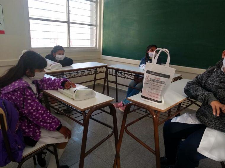 FOTO: Entusiasmo en la vuelta a clases en San Juan.