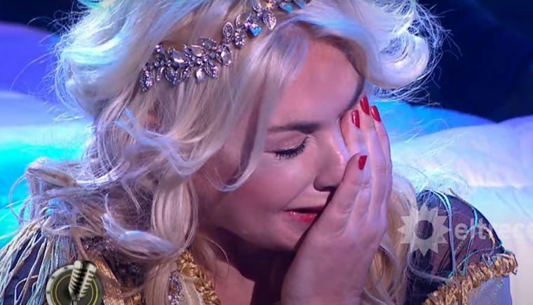 Esmeralda Mitre lloró en pleno Cantando 2020 y el jurado la
