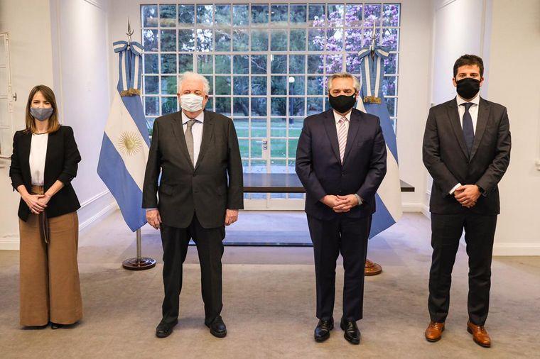 FOTO: Fernández anunció el acuerdo para que Argentina produzca la vacuna de Oxford.